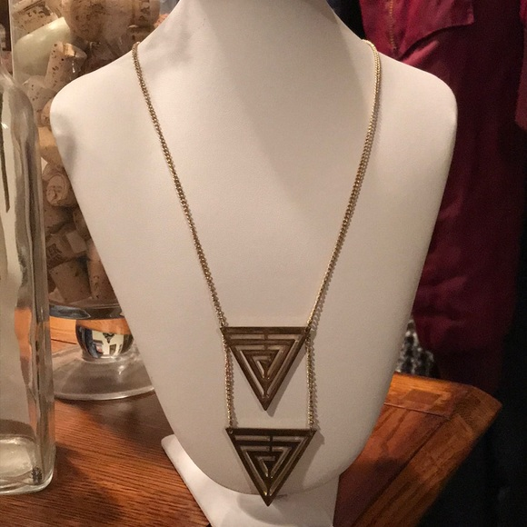 Forever 21 Jewelry - Gold Triangle🔻Necklace